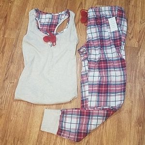NWT Zoe&Bella Flannel PomPom PJ Set Red Oatmeal